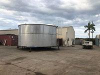 Large stainless steel water storage tank